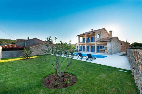 Why Renting a Villa in The Inland of Dalmatia is a Good Idea